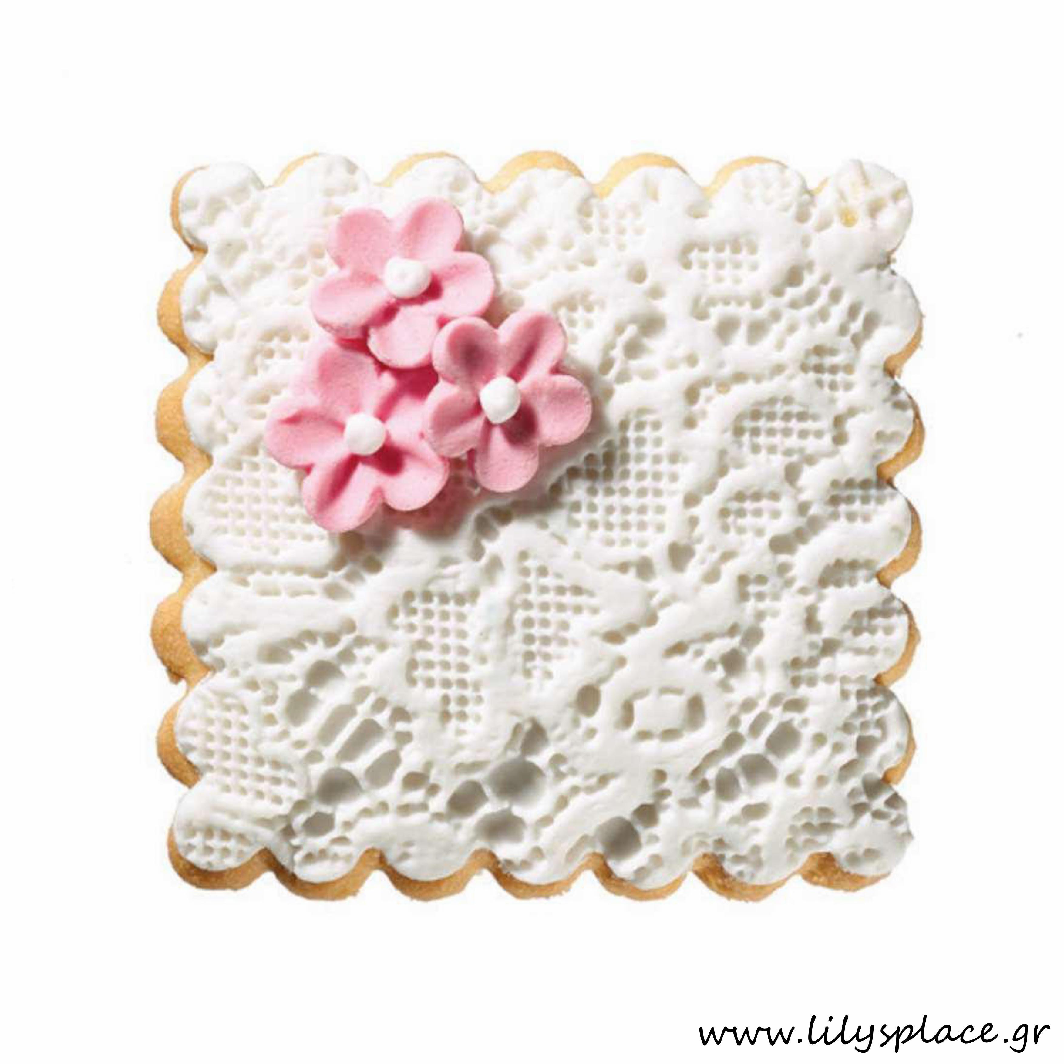 Μπισκότο γάμου με δαντέλα και λουλουδάκια