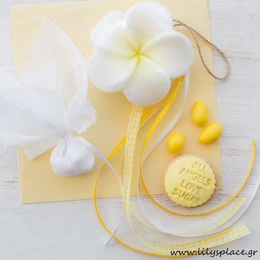 Μπομπονιέρα βάπτισης σαπουνάκι πλουμέρια κίτρινη