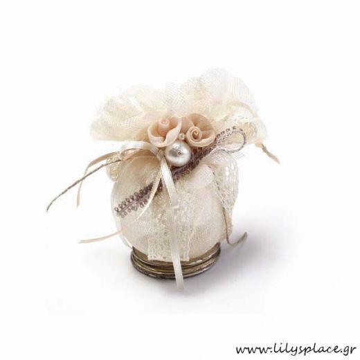 Μπομπονιέρα γάμου γυάλα στολισμένη